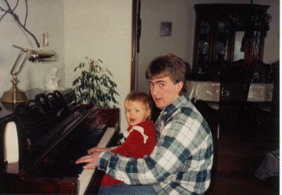 Pianoplayinhelp1990
